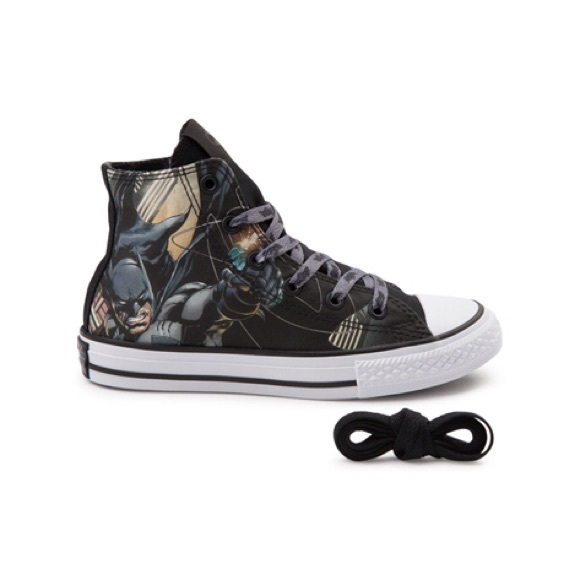 "5d597db5c57281 Converse Other -  Converse  high top ""Batman"" chucks"